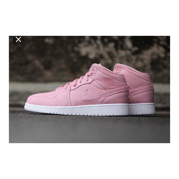 cdcc4962c88a Nike 2017 Air Jordan 1 Girls Easter Pink. M 5b632d468869f7a2dbf11a87
